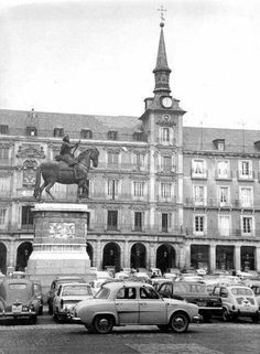 PLAZA MAYOR - 1961 Foto Madrid, Like Image, New Mums, Old Pictures, Big Ben, Spain, Photos, Street View, City