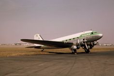 Chicago Midway Airport - Ozark Airlines - DC-3 in 1961