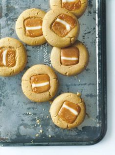 Caramel Biscuits (cookies) from The Boutique Markets Best Cookie Recipes, Baking Recipes, Sweet Recipes, Dessert Recipes, Bisquick Recipes, Easy Biscuit Recipes, Recipes Dinner, Fall Recipes, Caramel Biscuits