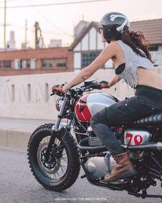 Cruising downtown on a classic Triumph Scrambler. Triumph Scrambler, Scrambler Motorcycle, Moto Bike, Triumph Motorcycles, Bobber, Vintage Motorcycles, Honda Shadow, Indian Scout, Lady Biker