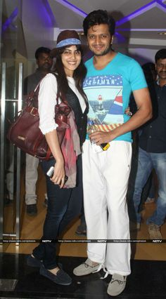 Genelia poses with her husband Ritesh