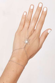 Star Power Pavé Hand Chain