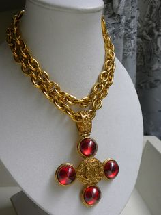 Exclusive vintage designer jewellery, specialising in rare vintage Chanel jewellery - necklaces, bracelets and earrings, and vintage YSL, Dior and Lacroix jewellery. Chanel Brooch, Chanel Necklace, Chanel Chanel, Chanel Bags, Chanel Handbags, Cross Jewelry, Jewelry Art, Fashion Jewelry, Jewelry Design