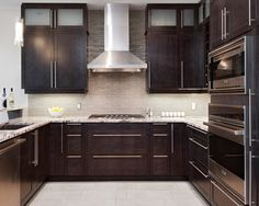 Contemporary Home dark cabinet backsplash Design Ideas, Pictures, Remodel and Decor