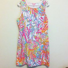 FINAL PRICE NWT Lilly Pulitzer Dress Scuba to Cuba NWT Lilly Pulitzer Whiting Shift Size L - I am obsessed with this dress, but it's too big and it's SOLD OUT everywhere. Awesome Scuba to Cuba pattern  has cut out on back! Lilly Pulitzer Dresses