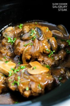 This Slow Cooker Salisbury Steak from Spend with Pennies is one of our favorite comfort foods. Tender beef patties simmered in rich brown gravy with mushrooms and onions. This is perfect served over mashed potatoes, rice or pasta! Crockpot Dishes, Crock Pot Cooking, Beef Dishes, Food Dishes, Main Dishes, Cooking Ham, Crock Pots, Slow Cooker Beef, Slow Cooker Recipes