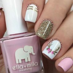 Antler nail art Whimsical Nails Spring Nails Summer nails Pink and white nail art Antler nail art. Pink and white nail art. Fancy Nails, Trendy Nails, Diy Nails, Sparkle Nails, Classy Nails, Gold Nails, Holiday Nails, Christmas Nails, Christmas Design
