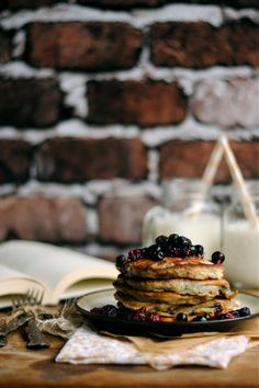 Very Berry Pancakes via How To: Simplify (by How To: Simplify)