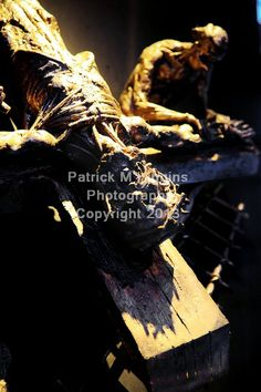 11 Jesus is nailed to the cross (Sean Rice)