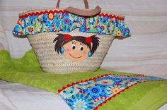 toalla y canasta de niña para la playa