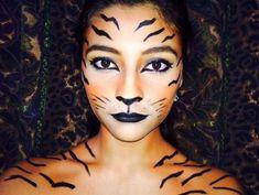 tiger makeup face DIY Tiger Costume Create your own Tiger Costume for Halloween Tiger Costume Women, Tiger Halloween Costume, Halloween Makeup Clown, Maquillage Halloween, Up Halloween, Modern Halloween, Tiger Face Paint Easy, Tiger Face Paints, Carnival
