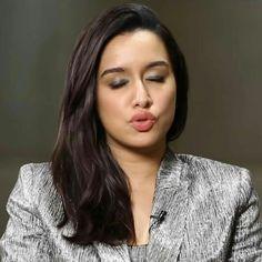 Beautiful Dream, Gorgeous Women, Kajal Agarwal Saree, Shraddha Kapoor Cute, Sraddha Kapoor, Paris Wallpaper, Ileana D'cruz, Bollywood Celebrities, Beautiful Actresses
