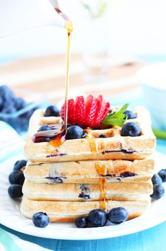 It doesn't get any better for an easy breakfast than these Buttermilk Blueberry Waffles from scratch. The addition of fresh or frozen blueberries right in the Blueberry Waffles, Buttermilk Waffles, Blueberry Breakfast, Fluffy Waffles, Pancakes And Waffles, Andes Mint Chocolate, Waffle Mix, Waffle Iron, Waffle Recipes