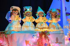Disneyland Dec 2012 - it's a small world holiday | by PeterPanFan