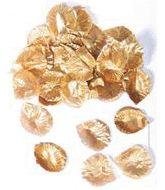 Luxe gouden rozenblaadjes voor Valentijn. Inhoud: 144 rozenblaadjes. Materiaal: dun stof. Formaat: circa 3 bij 3 cm.