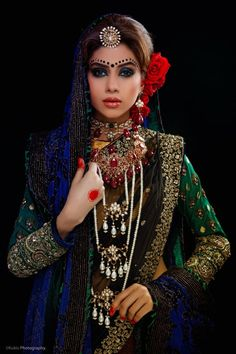 Chunner Waly : Few Pictures of Bridal Dresses 2013 For Women Pakistani Bridal Couture, Indian Bridal Wear, Asian Bridal, Indian Couture, Bridal Outfits, Bridal Dresses, Beautiful Bride, Beautiful Dresses, Beauty And Fashion