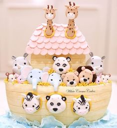What a beautiful cake ! Noah's Ark by Noah's Ark Cake 🎉ð … - Tekno Hipercity Cute Baby Shower Ideas, Baby Girl Shower Themes, Fun Baby Shower Games, Simple Baby Shower, Baby Shower Parties, Baby Shower Cakes, Shower Baby, Raindrop Baby Shower, Homemade Baby Shower Favors