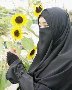 Hijab Niqab, Hijab Chic, Hijabi Girl, Girl Hijab, Muslim Girls, Muslim Women, Muslim Fashion, Hijab Fashion, Muslimah Clothing
