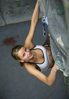 www.boulderingonline.pl Rock climbing and bouldering pictures and news Lucie Hrozová