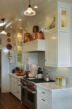 Cottage decor: Kitchen | THURSTON / BOYD Interior Design