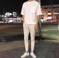 urban mens fashion which looks amazing. 34273 urban mens fashion which looks amazi Stylish Mens Outfits, Casual Outfits, Men Casual, Casual Styles, Stylish Clothes, Look Man, Korean Fashion Trends, Fashion Ideas, Urban Fashion