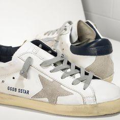 Sneakers SUPER STAR in Pelle e Stella in Camoscio - GCOWS590.A7 - Golden Goose