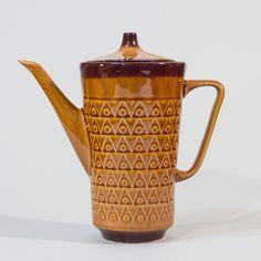 Porcelitowy elegant.  #vintage #vintagefinds #vintageshop #forsale #design #midcentury #midcenturymodern #polish #chodziez #pot