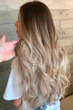 It is a photo gallery featuring blonde ombre hair styles to any taste. We can assure you that you can find the most flattering looks here. Pick several looks before you go to the hair salon and show…More Best Ombre Hair, Blond Ombre, Ombre Hair Color, Hair Color Balayage, Blonde Color, Balayage Highlights, Dark To Blonde Ombre, Fall Highlights, Auburn Balayage