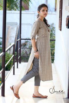 Simple Kurta Designs, New Kurti Designs, Salwar Designs, Stylish Dress Designs, Kurta Designs Women, Kurti Designs Party Wear, Kurti Sleeves Design, Kurta Neck Design, Sleeves Designs For Dresses