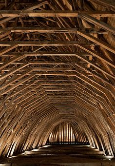 ❈portais - Oak framing in the century church Église Saint-Girons Church Architecture, Religious Architecture, Beautiful Architecture, Architecture Details, Interior Architecture, Modern Church, Timber Structure, Old Barns, Bungalows