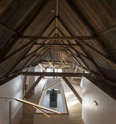 Refurbishment of Traditional Dutch Farmhouse / Piet Hein Eek