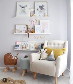 20 Simple & Trendy Wall Decor Ideas With Your Photos, Posters & Posters – little girl rooms Baby Bedroom, Baby Room Decor, Girls Bedroom, Nursery Decor, Room Baby, Nursery Design, Nursery Room, Girl Nursery, Nursery Ideas