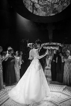 Casamento na Casa Petra: Paula Prudente + Fernando Valvassori de Almeida - Constance Zahn | Casamentos