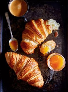While time-intensive, our recipe is foolproof and absolutely irresistible. Meat Recipes, Baking Recipes, Homemade Croissants, Homemade Breads, Croissant Sandwich, French Croissant, French Butter Croissant Recipe, Zucchini Puffer, Food Combining