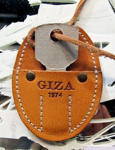 Giza #hangtag Leather Label, Suede Leather, Leather Men, Diy Leather Projects, Leather Craft, Leather Keyring, Leather Necklace, Mens Leather Accessories, Leather Camera Strap
