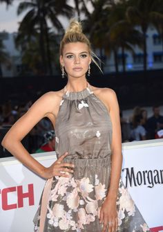 Kelly Rohrbach, Baywatch, Actresses, Formal Dresses, People, Model, Miami, Fashion, Female Actresses