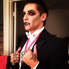 Sexy vampire Dracula makeup, Halloween, halloween makeup, costumes ideas. Follow @lexx_beauty via Instagram for more looks