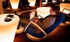 Helsiki-Vantaa: Finnair lounge.  Finnairin business-luokan matkustajille sekä Finnair Plus platinum, kulta ja hopea-tason jäsenille 45€.