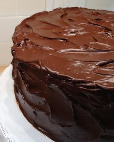 Hershey's Chocolate Cake Redux This Hershey's chocolate cake recipe from the Hershey's cocoa tin is an old-fashioned classic that's easy to make and love. Simple and simply the best. Too Much Chocolate Cake, Hershey Chocolate Cakes, Chocolate Cake Frosting, Homemade Chocolate, Chocolate Recipes, Cocoa Cake, Hershey Cocoa, Chocolate Chocolate, Cupcakes