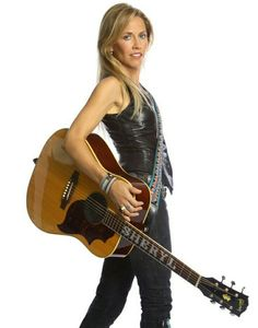Listen to every Sheryl Crow track @ Iomoio Sheryl Crow, Female Guitarist, Female Singers, Bass, Heavy Metal Girl, Hip Hop, Women Of Rock, Guitar Girl, Women In Music