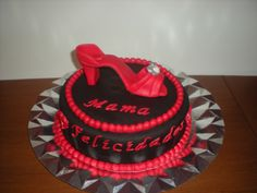 Tarta para su madre, con un elegante zapato hecho en fondant!
