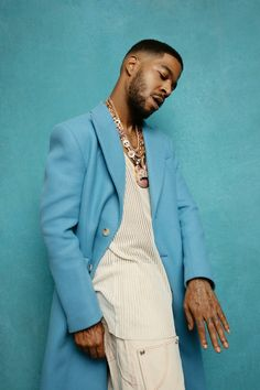 Just Beautiful Men, Pretty Men, Pretty Boys, Beautiful People, Blue Aesthetic, Aesthetic Photo, Kid Cudi Quotes, Charles Meme, Men Photoshoot