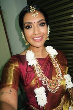 And her second look! Not a red, but a wine colored Saree with unique jewellery. Tamil Wedding, Saree Wedding, Wedding Attire, Bridal Sarees, Wedding Shoot, Vithya Hair And Makeup, Engagement Saree, Tamil Brides, Indian Bridal Makeup