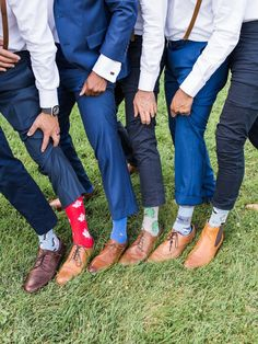 While it is not in vogue anymore to wear trainers to the wedding these fun socks are still trending! Casual Groom Attire, Casual Grooms, Groom And Groomsmen Attire, Groom Suits, Blue Suit Wedding, Casual Wedding, Fall Wedding, Dream Wedding, Cool Socks For Men