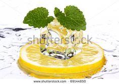 Früchte Mit Eiswürfel Stockfotos und -bilder   Shutterstock