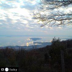 #Repost @f.a.b.y   #trasimeno #trasimenolake #lagotrasimeno #winter #inverno #tramonti #sunset #blu #landscape