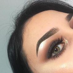 #Anastasiabrows @makeupbybriellexo  BROWS: #Dipbrow in Medium Brown & Clear Brow Gel  EYES: #ABHshadow in Burnt Orange, Sienna, and Blazing  #anastasiabeverlyhills #abhshadows