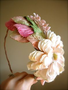 Love this for the flower girls=)