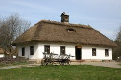 PIONEER HOUSE - ukrainian house..reminds me of the one at the farm