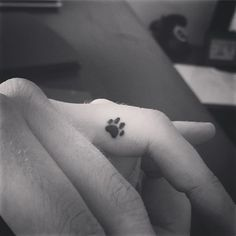 For my dawgs! Ain't no tattoo small enough!! #smalltattoo #pawtattoo #dogtattoo #fingertattoo #guyswithtattoos #finelinetattoo #awns #abuelastattoo #tigquest